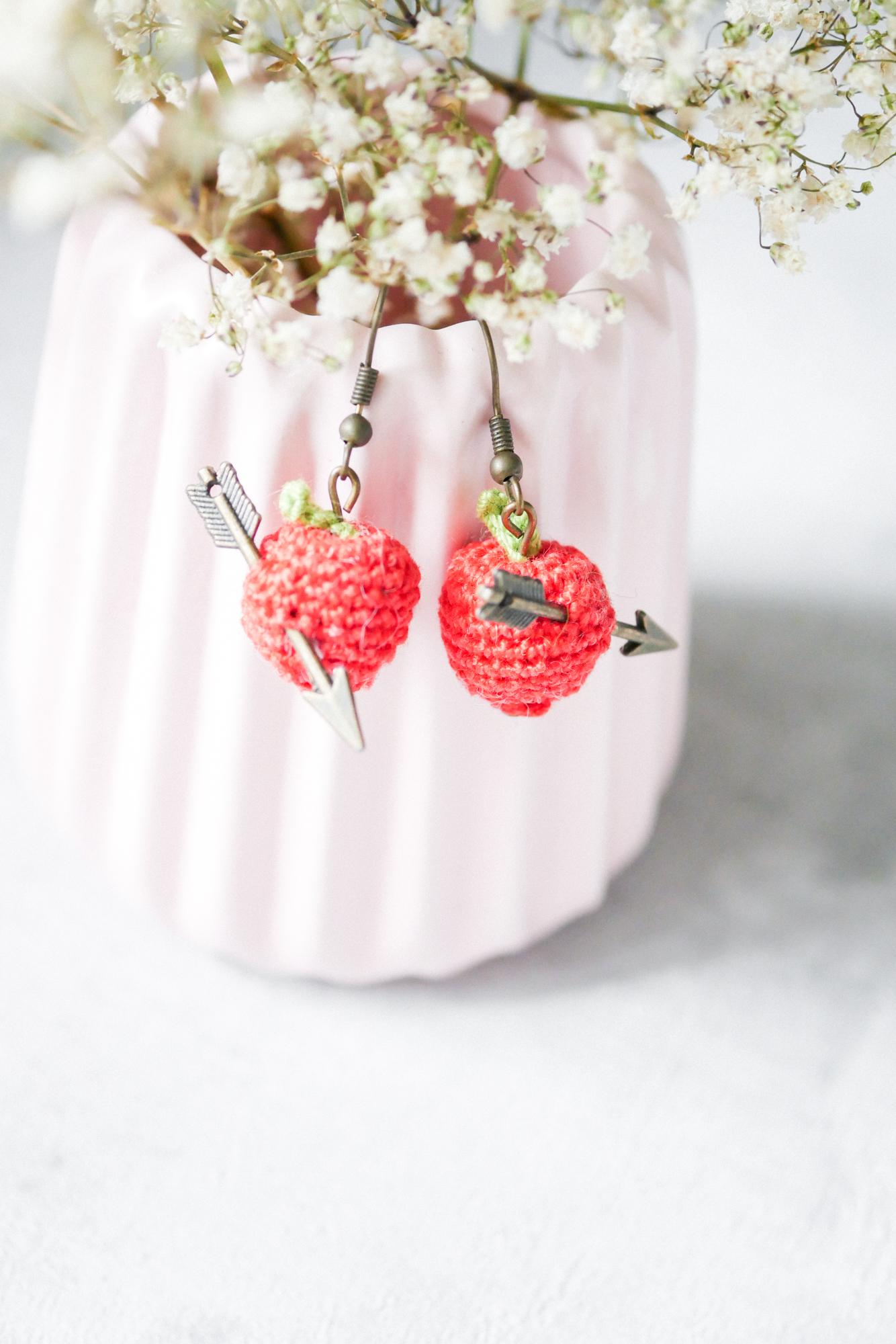 Äpfel als Schmuck häkeln- Anleitung für Ohrringe