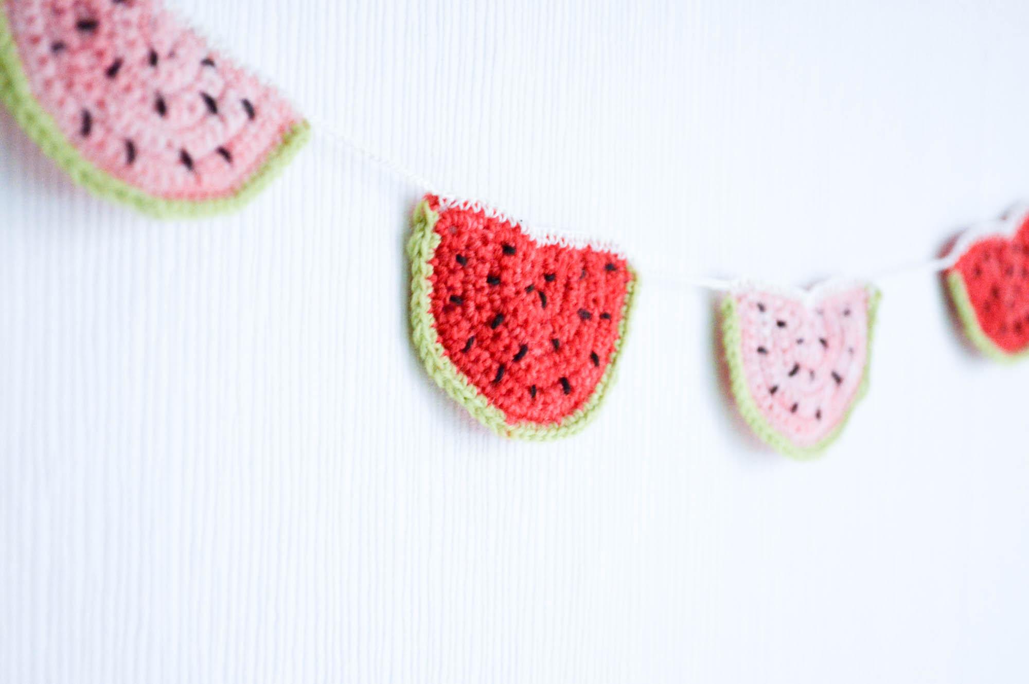 Melonen Wimpelkette häkeln kostenlose Häkelanleitung für den Sommer