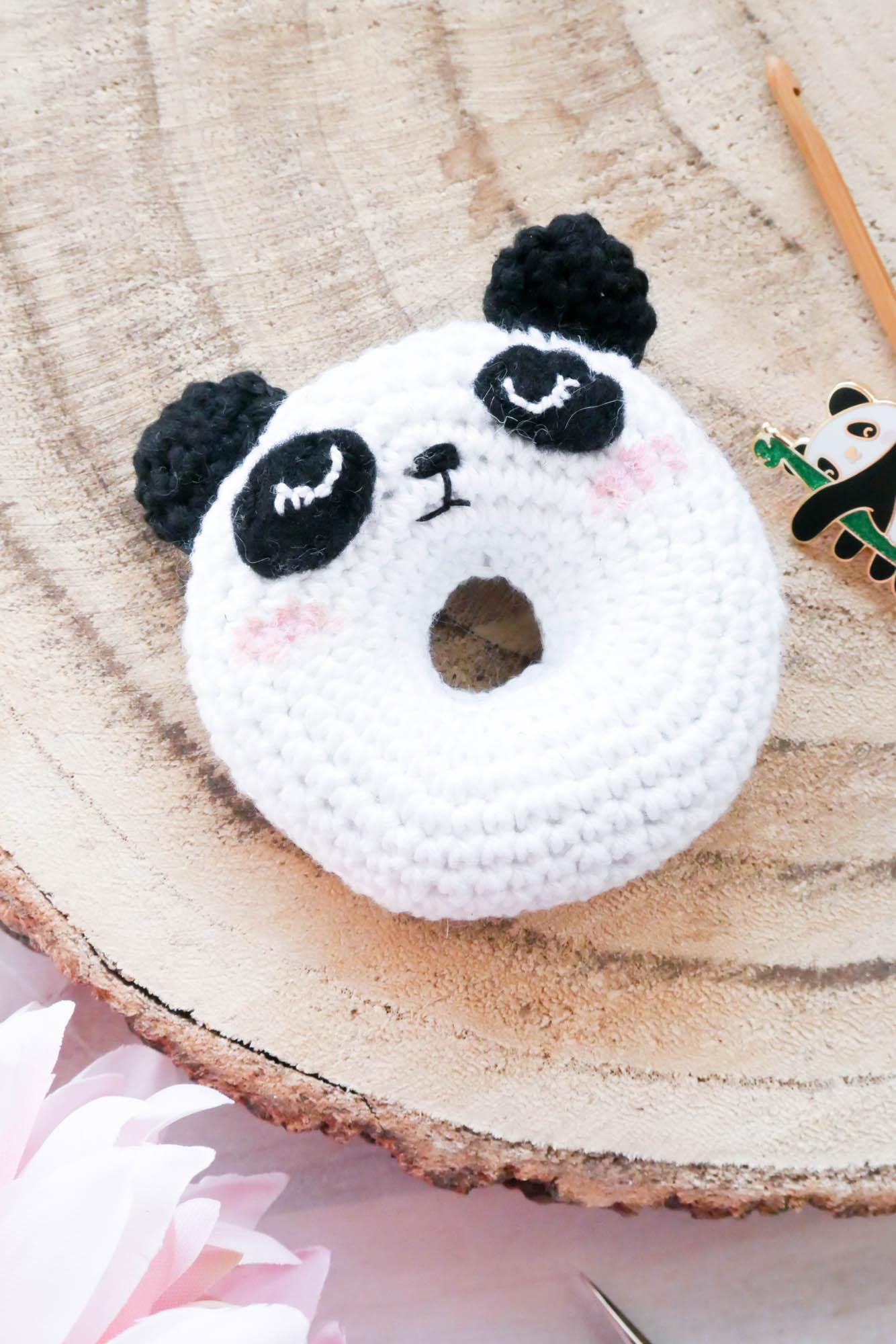 Panda Amigurumi Häkelanleitung von Little Bear Crochets | 2000x1334
