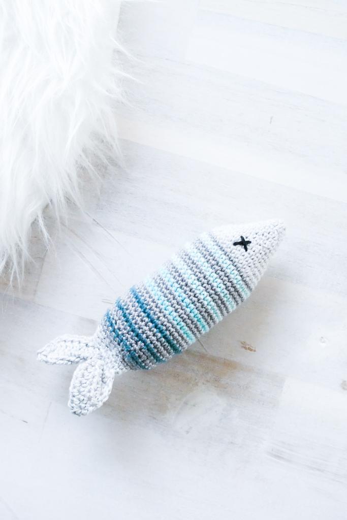 Fisch Katzenspielzeug- kostenlose Häkelanleitung für ein DIY für die Katz