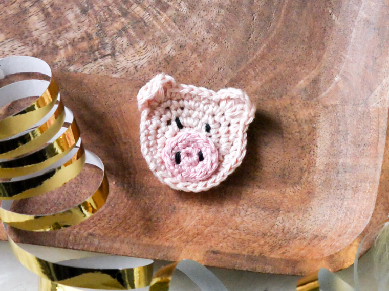 Schweine-Aufnäher häkeln kostenlose Anleitung- Anleitung für einen Glücksbringer