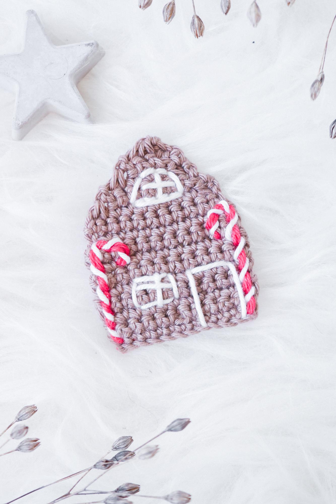 Lebkuchenhaus kostenlose Häkelanleitung für Advent und Weihnachten