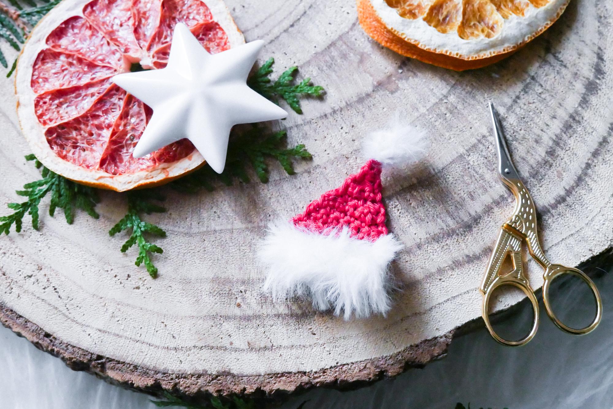 Kostenfreie Häkelanleitung für eine Santa-Mütze