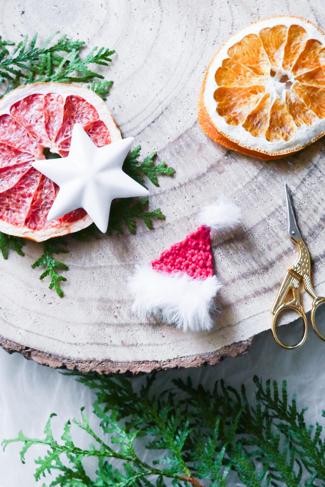 Nikolaus-Mütze oder Santa-Mütze häkeln für Weihnachten- kostenlose Anleitung