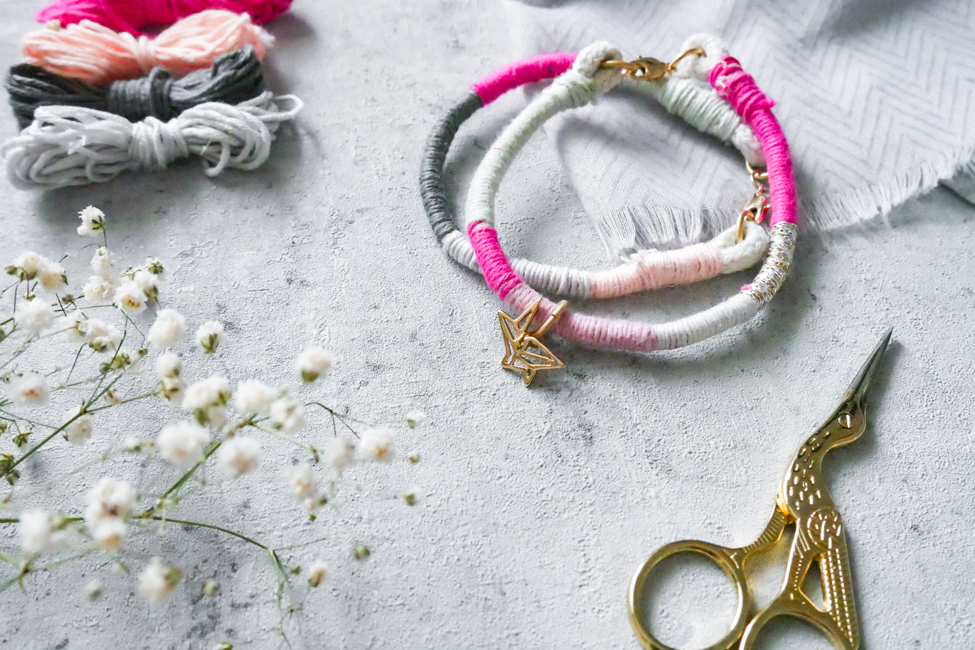DIY Schmuck aus Wollresten selber machen
